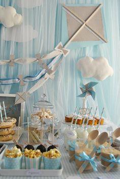 Idea para baby shower inspirado en nubes.