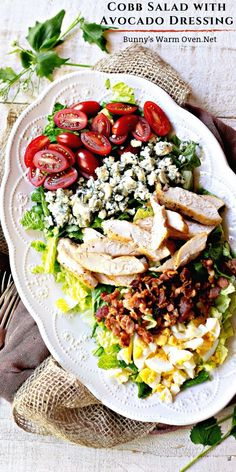 Cobb Salad with Creamy Avocado Dressing is a delicious salad perfect for anytime of the year but especially good as a dinner salad during the heat of the summer. The Creamy Avocado Dressing is easy to make using a food processor and absolutely delicious! Creamy Avocado Dressing, Dressing For Fruit Salad, Fresh Fruit Salad, Cobb Salad, Salad Bar, Soup And Salad, Caesar Salad, Chicken Salad Recipes, Healthy Salad Recipes