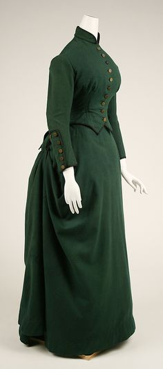 Easily steamable, and perfect for alt-uni globe-trotting, with the addition of some trousers or a shorter skirt.  --------  Riding Habit 1872, American, Made of wool