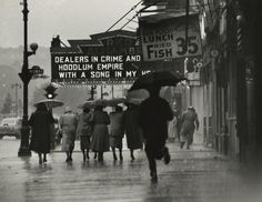 Gordon Parks - Harlem Neighborhood, 1952 - Howard Greenberg Gallery