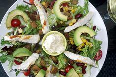 A yummy healthy alternative to the traditional caesar salad recipe! My Recipes, Salad Recipes, Caesar Salad, Healthy Alternatives, Traditional, Ethnic Recipes, Food, Eten, Meals