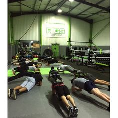 Simple yet effective finish to @samrigs functional fitness session  #TrainLikeAnAthlete #Birmingham #Solihull #Moseley #gym #training #instafitness #fitness #fitfam #train #fitspo #motivation #success #workout #crossfit #personaltrainer #boxing #positive #active #health #iwill #instagood #gymlife #athletes #fit #ringside #follow #workout #gymtime #abs