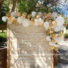 Outdoor Graduation Parties, Graduation Party Planning, Graduation Party Decor, Grad Parties, Baloon Garland, Balloon Backdrop, Baby Shower Backdrop, Balloon Columns, The Balloon