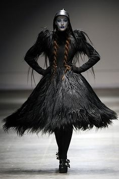 Visions of the Future // Gareth Pugh Fall 2008 Ready-to-Wear - Collection - Gallery - Look - Style.com