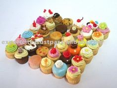 dollhouse food - tiny cupcakes