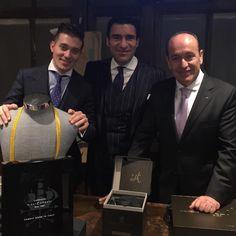 """""""La elegancia no es acerca de ser notado, se trata de ser recordado""""; Giorgio Armani.     Bajo el título de """"Cómo elegir el traje de mi boda y actos sociales de relevancia"""" la firma"""