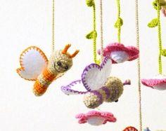 abeilles et fleurs / crochet bébé mobile / mobile de par EvaSinai