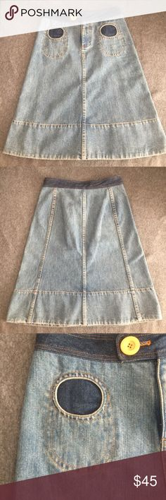 """Vintage Marc Jacobs Demin Skirt My favorite denim skirt needs a new home. Denim weight is heavy, same as denim jeans. 100% cotton. Waist measures approximately 14.5"""" flat. Cutest pocket detail (functional pockets!) Rare find ! Marc Jacobs Skirts"""