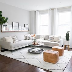 A neutral base with a pop of color is my go-to when it comes to pillow styling o. : A neutral base with a pop of color is my go-to when it comes to pillow styling on our sectional! Living Room Sofa Design, Living Room Sectional, Living Room Grey, Living Room Interior, Home Living Room, Living Room Designs, Gray Sectional, Modern Sectional, West Elm Sectional