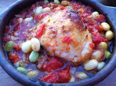 Pollo con porotos y tomate