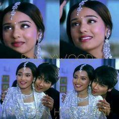 Beautiful still from Vivah movie Bollywood Outfits, Bollywood Couples, Amrita Rao, Shahid Kapoor, Births, Hindi Movies, Shahrukh Khan, Indian Designer Wear, Bollywood Actress