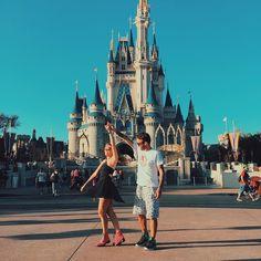 Dancing at Disney Disneyland Couples, Disneyland Photos, Disney Couples, Disneyland Trip, Disney Trips, Cute Couples, Disney Art, Walt Disney, Adventure Time Anime