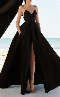 Black ball gown with a slit, sexy ball gown .- Schwarzes Ballkleid mit Schlitz, sexy Ballkleid Black ball gown with a slit, sexy ball gown # - Pretty Prom Dresses, A Line Prom Dresses, Formal Evening Dresses, Elegant Dresses, Awesome Dresses, Black Formal Gown, Sexy Formal Dresses, Long Dresses, Long White Gown