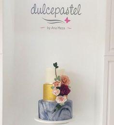 'Trendy Marble wedding cake 🤵🏼🎂👰🏻 #dulcepastelcuerna🍪🍰🎂☕️#trendy#marble#wedding#cake#only#us#cuernavaca#morelos#cuerna#cdmx#inovando#siemprecopiadosjamasigualados' by @dulcepastel_cuernavaca.  #bridesmaid #невеста #parties #catering #venues #entertainment #eventstyling #bridalmakeup #couture #bridalhair #bridalstyle #weddinghair #プレ花嫁 #bridalgown #brides #engagement #theknot #ido #ceremony #congrats #instawed #married #unforgettable #romance #celebration #wife #husband #celebrate…