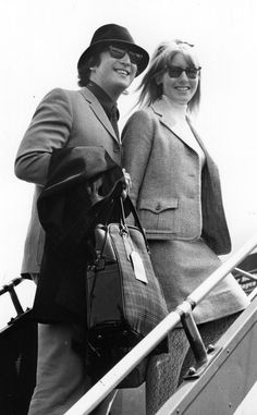 Las mujeres de los Rolling Stones y de los Beatles: Cynthia y John Lennon