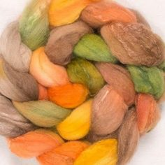Hand painted fiber, beautiful fall colors 🍁🍂🍃 By @yummyyarnsuk  #igspinnersinspiration #igspinners #fiber #fiberart #yummyyarns #instgramspinners #igspinning #ply #ravelryspinners  #otiva #yummyyarnsfiber - #regrann