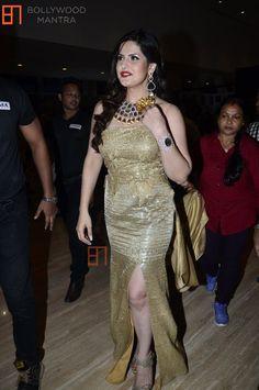 Bhojpuri Actress, Actress Anushka, Beautiful Girl Indian, Beautiful Hijab, Indian Bollywood, Bollywood Stars, Zarine Khan Hot, Aishwarya Rai Cannes, Chitrangada Singh