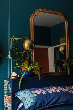 Dark Teal Bedroom, Jewel Tone Bedroom, Blue Green Bedrooms, Blue Rooms, Bedroom Green, Room Ideas Bedroom, Home Bedroom, Teal Bedroom Walls, Teal Bedrooms