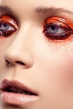 messy glossy orange lids + a nude mouth | makeup.