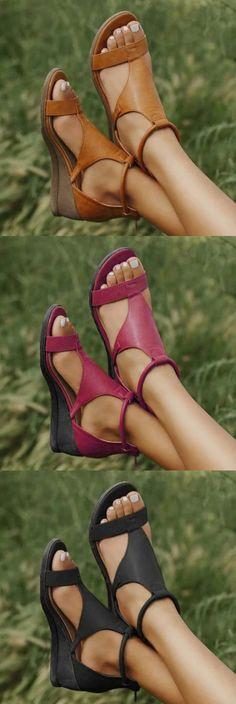 Cute Shoes, Me Too Shoes, Pretty Shoes, Look Fashion, Fashion Shoes, Classy Fashion, 80s Fashion, Modest Fashion, Fall Fashion
