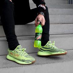 e14dd6c1a1e Mens size Adidas Yeezy Boost 350 V2 Semi Frozen Yellow fake