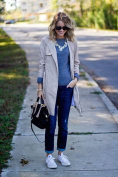 A rainy day doesn't have to mean bad style: come copy outfit ideas we love, including this easy layered sweater and jeans (with a statement necklace and rolled boyfriend jeans)