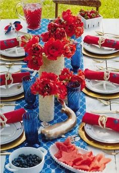 My Fourth of July Tablescape - red, white, & blue, nautical theme.thanks to Tori Spelling! 4th Of July Celebration, 4th Of July Party, Fourth Of July, 4th Of July Decorations, Holiday Decorations, Holiday Ideas, Beautiful Table Settings, Decoration Table, Room Decorations