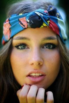 Turban head wraps are so cute to wear and easy to make. They look good in prints and solids. Hair Dos, Your Hair, Trendy Mood, Natural Hair Styles, Long Hair Styles, Scarf Hairstyles, Spring Hairstyles, Bohemian Hairstyles, Hairstyles Haircuts