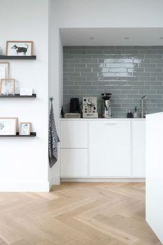 Trendy Bath Room Ideas Ikea Home Decor Farmhouse Side Table, Ikea Home, Piece A Vivre, Living Room Inspiration, Kitchen Interior, Kitchen Walls, Home Kitchens, Living Room Designs, Kitchen Remodel