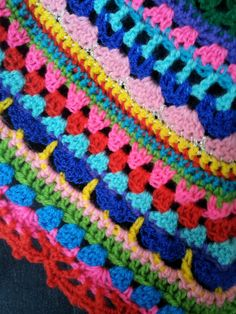 Diy Crochet And Knitting, Crochet Scarves, Crochet Clothes, Crochet Mandala, Crochet Shawl, Crochet Stitches, Crochet Borders, Crochet Patterns, Crochet Newsboy Hat