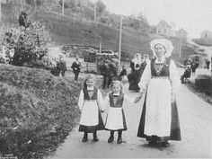 Old Norwegian pic, pre-1920.