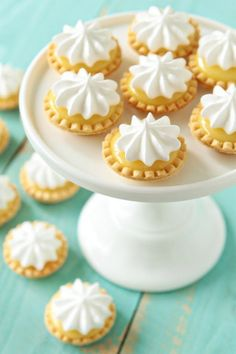 mini lemon meringue pies - she made hers with pre-made pie crusts, but I have a mini-tart pan I can use with home-made shells. mini lemon meringue pies - she made hers with pre-made pie crusts, but I have a mini-tart pan I can use with home-made shells. Mini Desserts, Lemon Desserts, Just Desserts, Mini Dessert Tarts, Tea Party Desserts, Mini Dessert Recipes, Baking Desserts, Health Desserts, Mini Pie Recipes