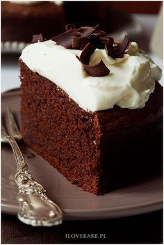 gingerbread cake with lemon butter cream icing and raspberries Cake Recipes, Snack Recipes, Cooking Recipes, Healthy Sweets, Healthy Baking, Yummy Treats, Yummy Food, Gingerbread Cake, Polish Recipes