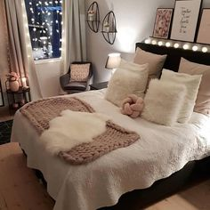 Best Way To Make Home Decor On A Budget Apartment Small Rooms Living Room . - best way to get home decor on a budget apartment small rooms living room – room - Cute Bedroom Ideas, Cute Room Decor, Girl Bedroom Designs, Room Ideas Bedroom, Girls Bedroom, Small Bedroom Decor On A Budget, Girl Rooms, Bedroom Styles, Bedrooms Ideas For Small Rooms