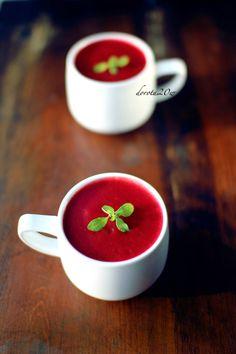 Zupa krem buraczkowy - przepis + film Impreza, Creative Food, Soups, Halloween, Tableware, Face, Recipes, Dinnerware, Tablewares