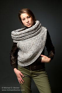 Please note this is only pattern to knit your own cowl for personal use only.