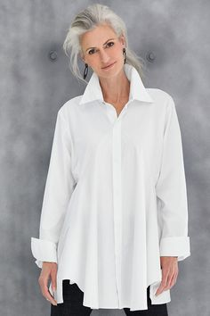 planet artists smock shirt from Artful Home-Fashion Over Great White Shirt 2019 The Great White Shirt Over 50 Fashion Older Women Fashion, Fashion Over 50, Home Fashion, Fashion Tips, Fashion Trends, College Fashion, Fashion Quotes, Ladies Fashion, Fall Fashion