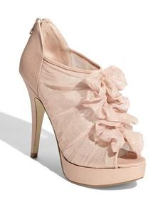 Today's pair of Cute Shoes, courtesy of disasterrific, features Chinese Laundry Haylie Heels! The blush pink color is very pretty, and the chiffon ruffles give the shoes a soft, elegant look.