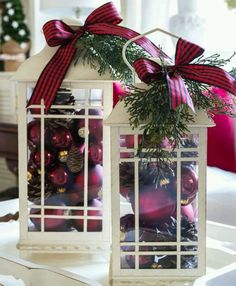 Decorating with Lanterns Ideas and inspiration from On Sutton Place Decorating with a set of lanterns is easy and versatile. They can be changed out seasonally, moved around, layered on a tray or lined up on a stairway. This is a great guide for addin Christmas Lanterns, Noel Christmas, Christmas Centerpieces, Rustic Christmas, Winter Christmas, Christmas Wreaths, Christmas Decorations, Diy Centerpieces, Christmas Design