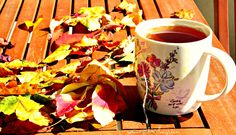 Let's welcome the autumn and the autumn leaves with tea and positive thoughts! #autumn #tea