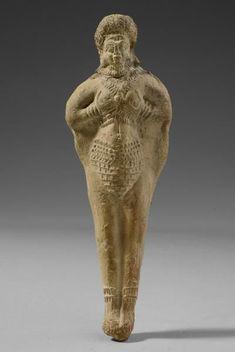 Терракотовая статуэтка богини Иштар-Астарты, 1900-1600 г. до н.э., Месопотамия. Астарта была в основном ханаанской версией Инанны/Иштар. Иштар (араб. عشتار Иштар,