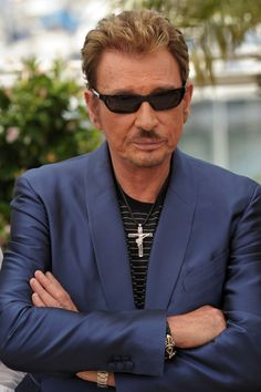 Johnny Hallyday Photos - Stars pose for the 'Vengeance' photocall during the International Cannes Film Festival. - 'Vengeance' Photocall At Cannes Film Festival Johnny Halliday, Making A Movie, Cannes Film Festival, Photos, Mens Sunglasses, Portrait, Stars, Idole, Movies