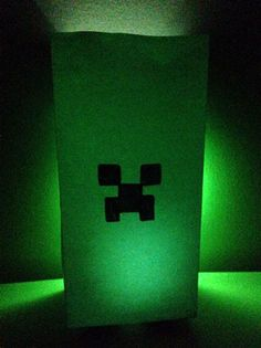 Easy MINECRAFT Party Ideas - Make Creeper party favor bags and/or luminaries.