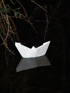Rhonda Ayliffe's book related art – Passion For Paper & Print Paper Folding, Australian Artists, Paper Art, Book Art, Origami, Sculpture, Books, Photography, Crafts