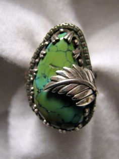 Vintage SOUTHWESTERN Turquoise Ring with Sterling Feather -- Size 8