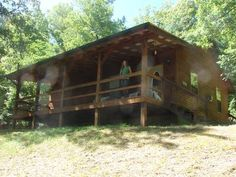 VRBO.com #3876320ha - Peace & Quiet with a Tree House Feel, Giant Tub, 4.5 Miles from Eureka Springs,