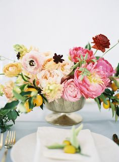 Obsessed with these modern footed compotes. | Love these low arrangements in pedestal vases. | LFF Designs   www.facebook.com/LFFdesigns