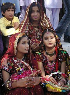 Traditional beauties from Sindh. Sindh is one of the four provinces of Pakistan, in the southeast of the country. (V)