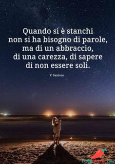 💗E io so che non sono sola. Peace Quotes, Words Quotes, Me Quotes, Italian Quotes, Good Night Wishes, Bob Marley, Beautiful Words, Thoughts, Feelings
