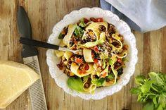 Funderar du på hur du ska göra dagens pasta vegetarisk, utan att den blir tråkig? Då är detta det perfekta receptet för dig.